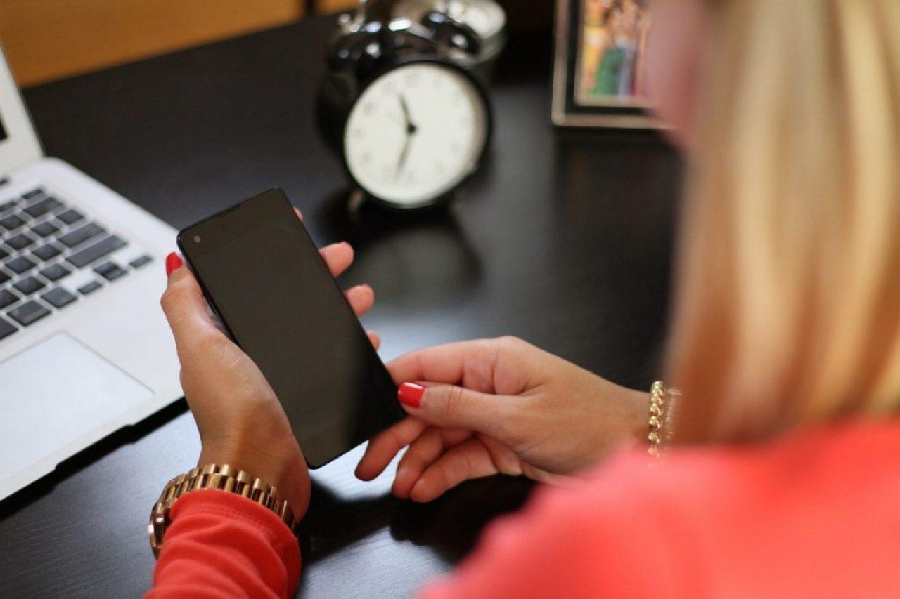 Mobile phone, RESTFM